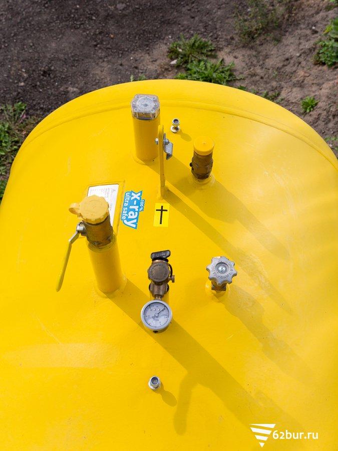 Газгольдер Deltagaz вид на врезки