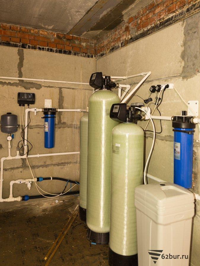 Система водоснабжения коттеджа с очисткой воды от железа и жесткости